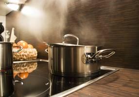 Stromsparen beim Kochen | {Koch beim kochen 74}